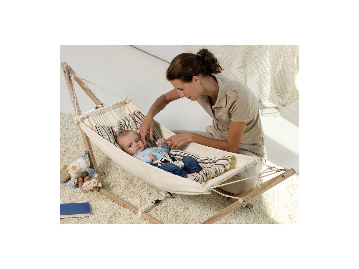 Entspannt abhängen in der Babyhängematte -